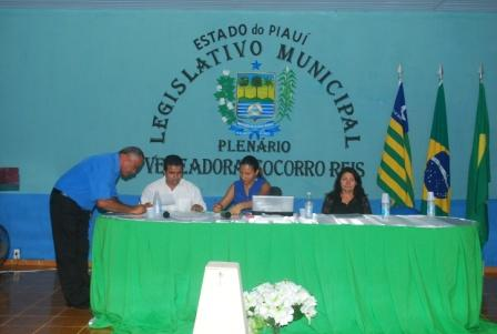 Vereadores aprovam projetos importantes para Baixa Grande do Ribeiro