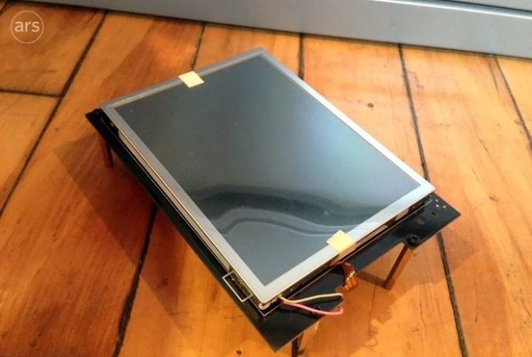 Protótipo do iPhone de 2005 tinha o tamanho do iPad Mini, revelam fotos