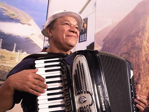 Filho de Dominguinhos confirma que coma do músico é irreversível