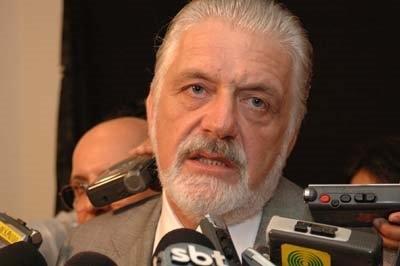 Governador suspende itens de edital que exigia atestado de virgindade