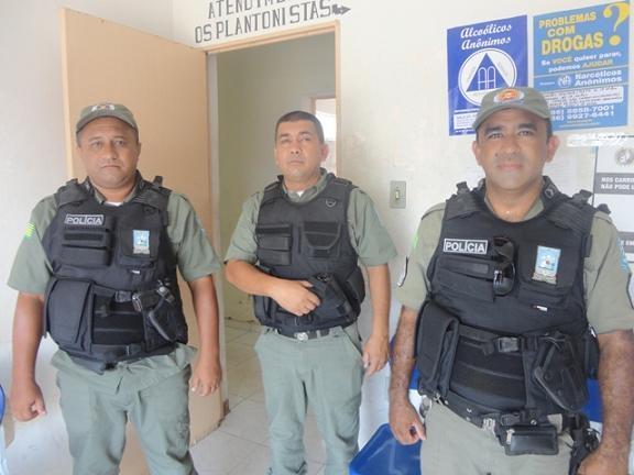 Dois homens se envovem em briga com pedras e facão e acabam presos no Piauí