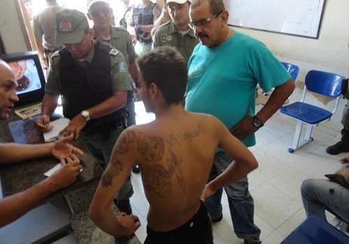 Menor confessa assassinato; é liberado e autuado por porte ilegal de arma
