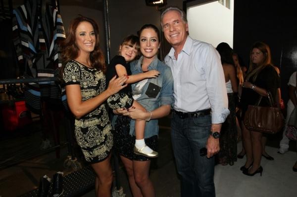 Rafa Justus brinca com Ticiane Pinheiro e a irmã em evento de moda