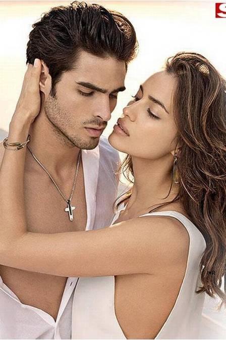 Irina Shayk, namorada de Cristiano Ronaldo, quase beija modelo em ensaio