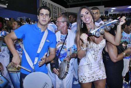 Nicole Bahls pode estar namorando filho de Claudia Raia e Edson Celulari , de apenas 15 anos