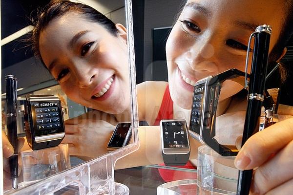 Samsung já trabalha em novo relógio inteligente, confirma vice-presidente