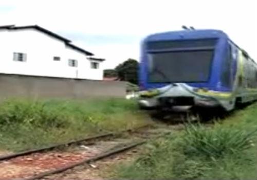 Cruzamentos clandestinos oferecem perigo na linha férrea