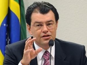 STF abre inquérito para apurar se líder do governo cometeu desvios