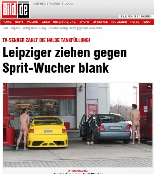 Por promoção, alemães encaram frio e ficam nus para abastecer os carros