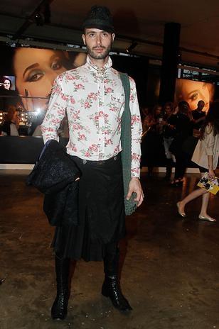 Homens se inspiram em guarda-roupa feminino e aderem às saias
