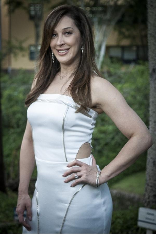 Dermatologista de Claudia Raia revela segredo da pele perfeita da atriz