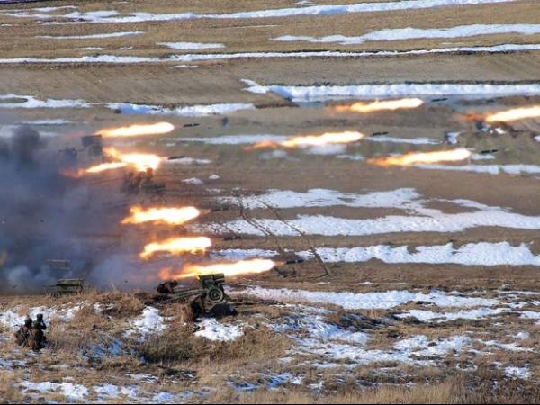 Coreia do Norte põe tropas em posição de combate e mira EUA