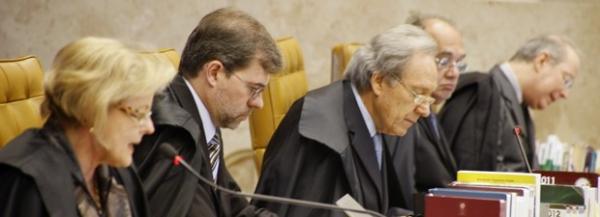 Perto do fim do prazo, 4 ministros não liberaram votos do mensalão