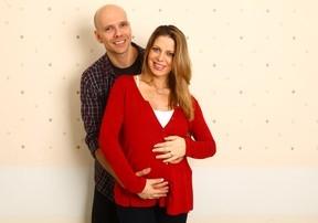 Xuxa passa noite em claro após o nascimento da filha com Sheila Mello