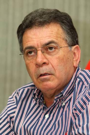 Flamengo gasta R$ 21 mil só com hotel e celular do diretor Pelaipe