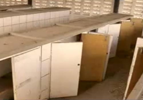 Mercado do Parque Firmino Filho está abandonado