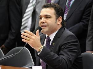 Após posse de Feliciano, 17 servidores deixaram Comissão