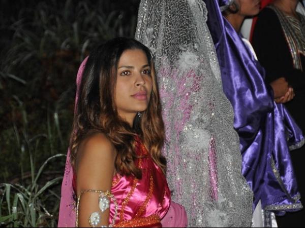 Ex-BBB Gyselle Soares se apresenta na