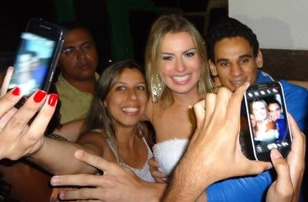 Pai de Fernanda teme pela segurança da  filha após vitória no BBB: