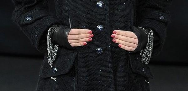 Chanel lança esmalte coral avermelhado para o próximo inverno