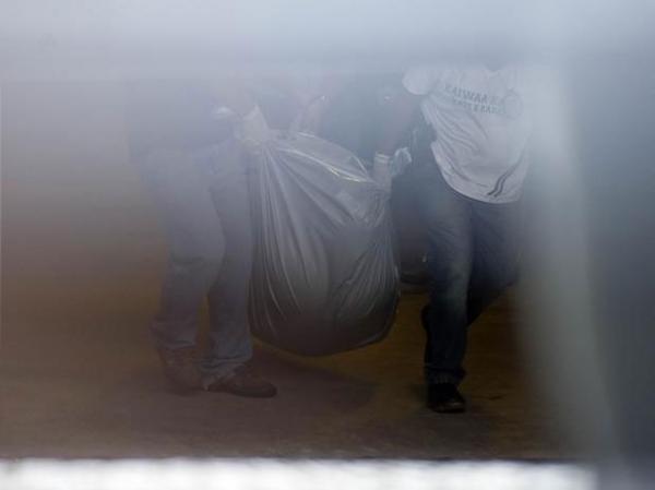 Apartamento de Chorão estava revirado e com manchas de sangue; polícia descarta assassinato