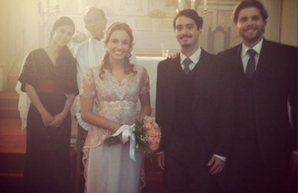 Casamento? Fotos dos bastidores mostram os momentos finais de