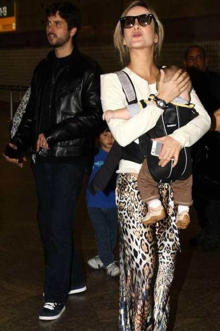 Claudia Leitte nega ter se perdido de filho em shopping nos EUA
