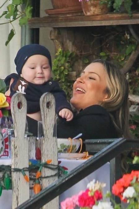 Claudia Leitte em momentos de intimidade com a família em Los Angeles