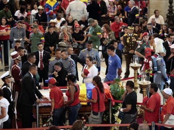 Venezuela: Funeral de Hugo Chávez começará às 12h30 desta sexta-feira