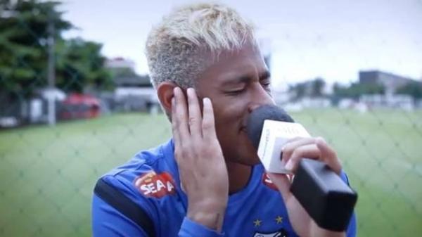 Neymar e jogadores do Santos fazem homenagem para mulheres com ?Esse cara sou eu?