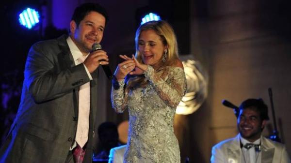 Adriana Esteves, Murilo Benício e Débora Falabella festejam um ano de ?Avenida Brasil?