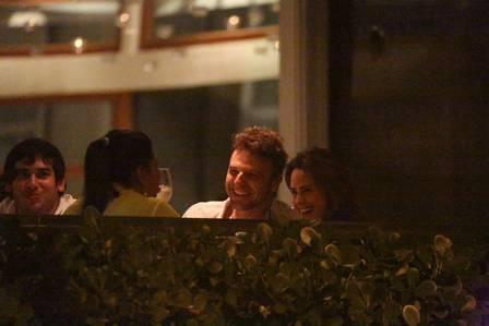 Cássio Reis e Fernanda Vasconcellos são flagrados pela 1°vez juntos em clica de romance