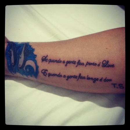 Mulher Melancia faz tatuagem para pagodeiro em apenas três meses de namoro