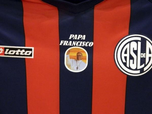 Papa Francisco manda saudação especial aos jogadores de seu time