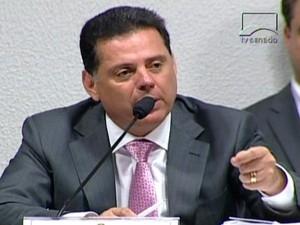 Cachoeira é intimado a depor em processo contra governador de Goiás