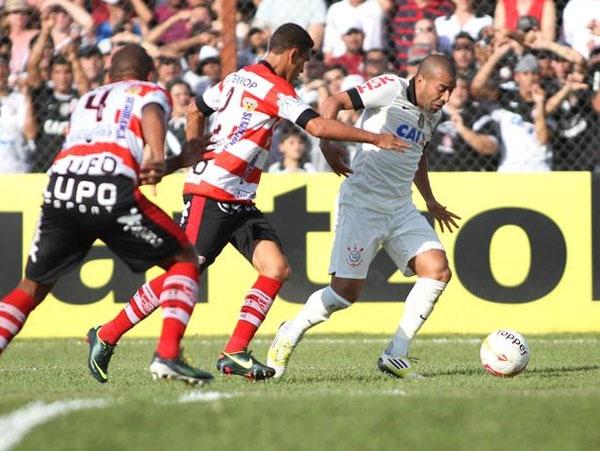 Com titulares, Corinthians tropeça no Linense e cai para sexta colocação