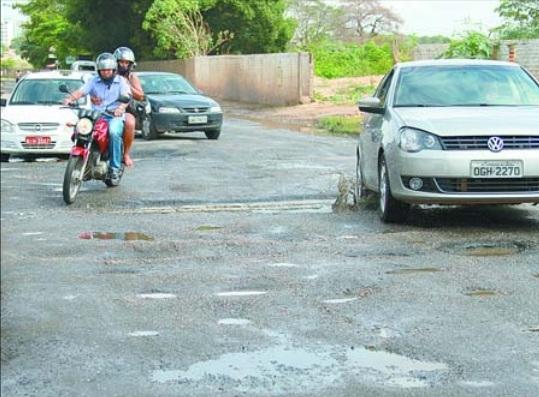 Prefeitura vai recuperar asfalto da Avenida Celso Pinheiro em Teresina