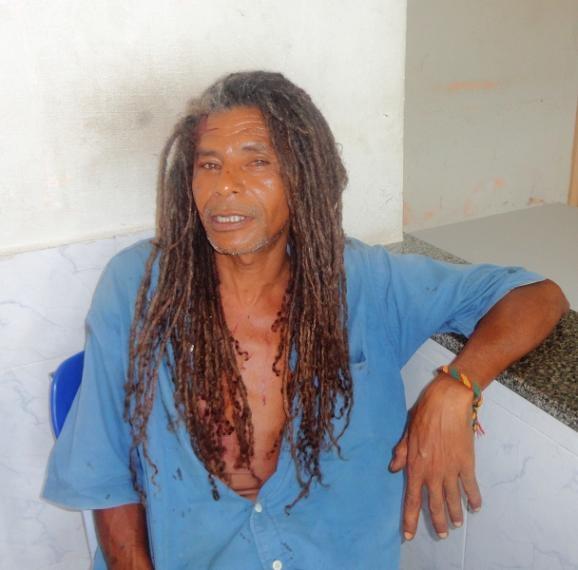 Homem esfaqueia outro no Troca-Troca e vai preso
