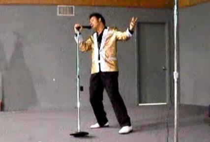 Homem que teria enviado ricina a Obama vive como sósia de Elvis
