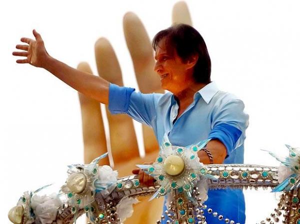 Ídolo de gerações, Roberto Carlos completa 72 anos nesta sexta