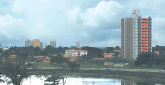 Tempo chuvoso deve permanecer durante toda esta semana na capital