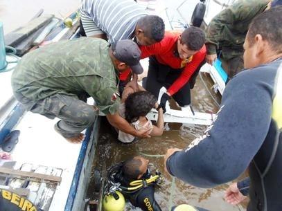 Marinha encerra buscas no rio Arari após naufrágio que matou 12 pessoas