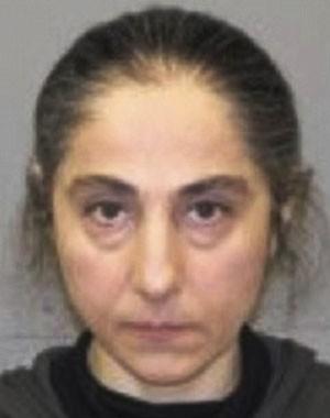 Mãe de suspeitos de atentados em Boston já foi presa por assaltar loja
