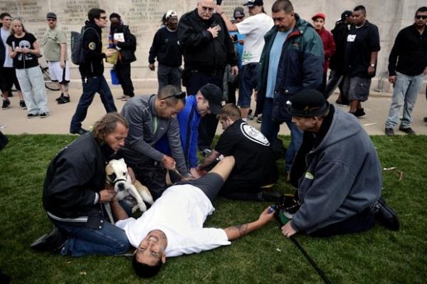 Três pessoas são baleadas em marcha da maconha nos EUA