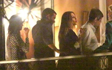 Sem Rômulo Neto, Cleo Pires badala em nova companhia na noite