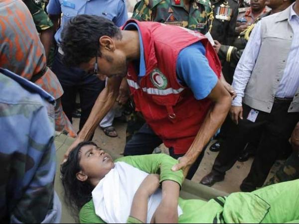 Mortos em desabamento de prédio em Bangladesh passam de 200 pessoas