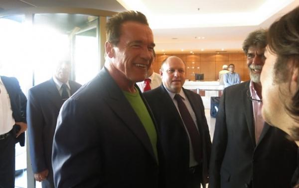 Schwarzenegger dá