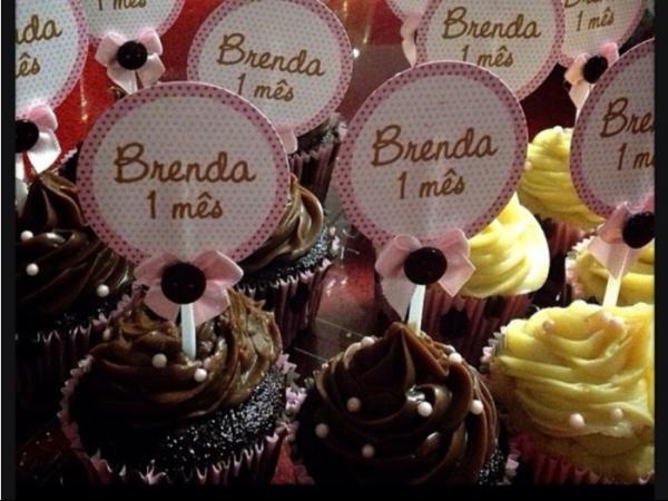 Sheila Mello festeja um mês de Brenda