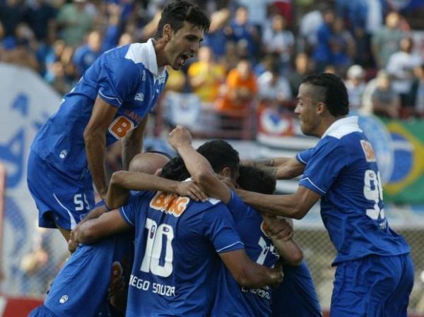 Cruzeiro vence fácil fora de casa e encaminha vaga para decisão do Mineiro
