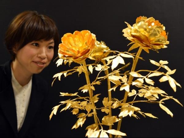 Exposição de R$ 260 milhões reúne produtos feitos em ouro no Japão